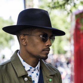 Mode för män: outfits för en sommar i city