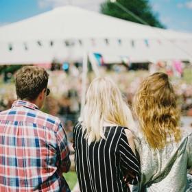 Festivalplagg på REA