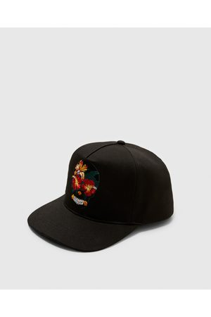 Zara CAP WITH EMBROIDERED SKULL