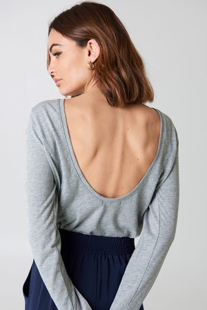 NA-KD Deep Back Long Sleeve Top - Långärmade t-shirts - Grå - Large