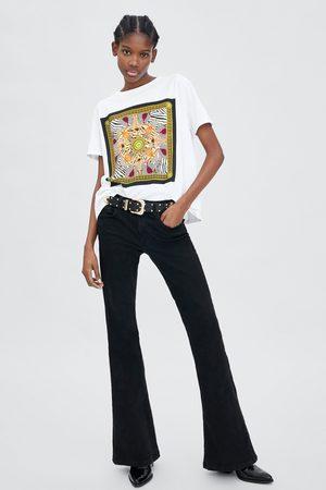 Zara T-SHIRT MED GRAFISK SCARF