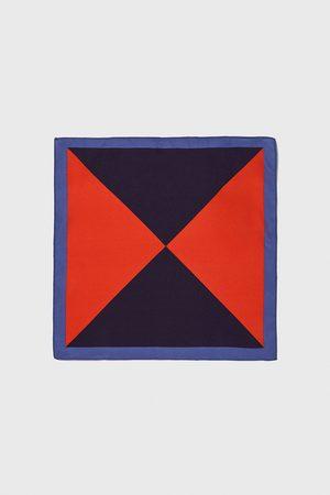 Zara Bröstnäsduk med trianglar