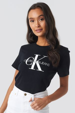 Calvin Klein Kvinna T-shirts - Core Monogram Logo Tee - T-Shirts - Svart - X-Small