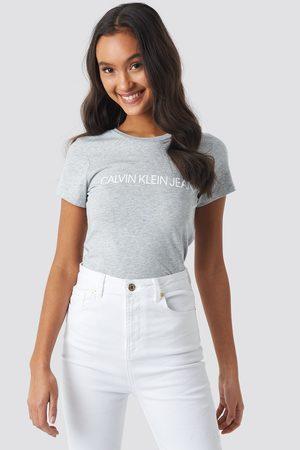 Calvin Klein Kvinna T-shirts - Core Institutional Logo Tee - T-Shirts - Grå - X-Small