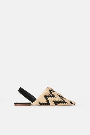 the latest d0c45 e49ff Zara Plana och flätade skor med öppen häl