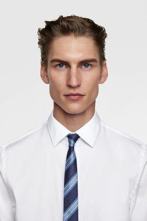 Zara Smal och randig slips