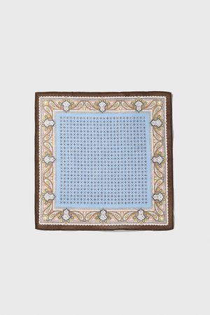 Zara Bröstnäsduk med kombinerat mönster