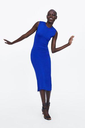 Zara Stickad klänning med vågor