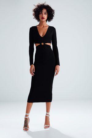 Zara Stickad lång klänning med cut out