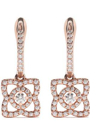 De Beers Enchanted Lotus diamantörhängen i 18K roséguld