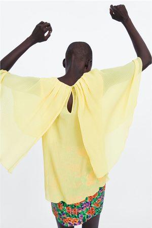 Zara Plisserad blus med cape