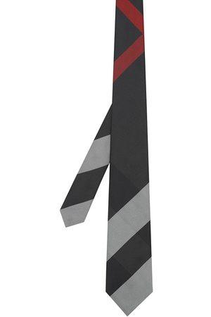 Burberry Rutig slips med modernt snitt
