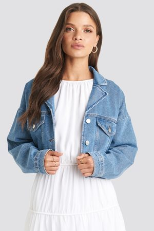 NA-KD Cropped Raw Edge Denim Jacket - Jeansjackor - Blå - EU 42