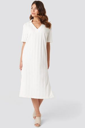 NA-KD Collar V Front Knitted Dress