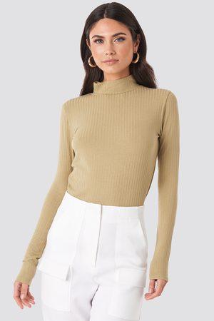 NA-KD Turtle Neck Long Sleeve Top - Långärmade t-shirts - Beige - Small