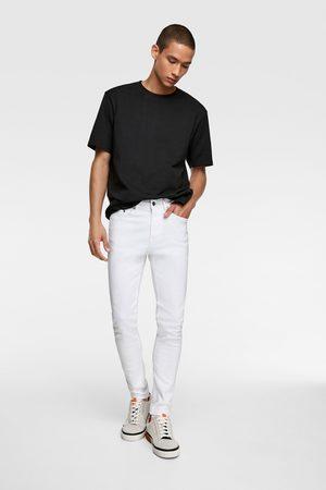 Zara Skinny-jeans av basmodell