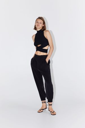 Zara Vid byxa med pressveck