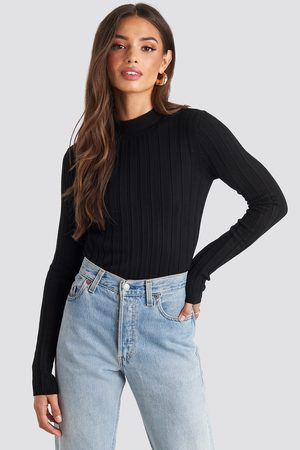 NA-KD Ribbed High Neck Knitted Sweater - Stickade tröjor - Svart - Small