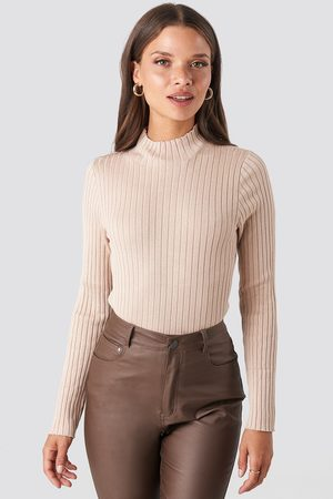 NA-KD Kvinna Stickade tröjor - Ribbed Knitted Polo Sweater - Vardagstoppar - Beige - Medium