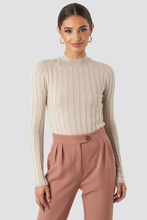 NA-KD Ribbed High Neck Knitted Sweater - Stickade tröjor - Beige - Large