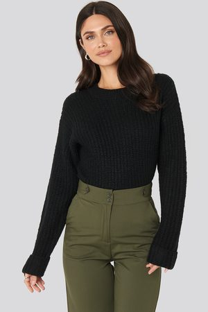 NA-KD Folded Sleeve Round Neck Knitted Sweater - Stickade tröjor - Svart - Large