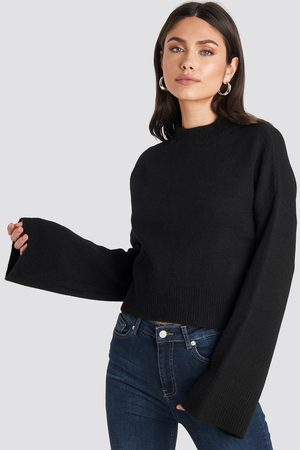 NA-KD Wide Sleeve Round Neck Knitted Sweater - Stickade tröjor - Svart - XX-Small