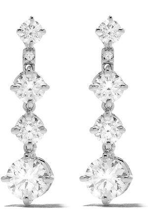 De Beers Arpeggia diamantörhängen i 18K vitt guld