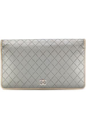 CHANEL Diamantquiltad plånbok med lock