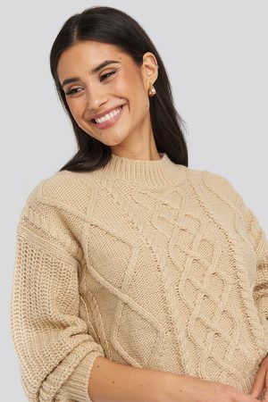 NA-KD Cable Knitted Balloon Sleeve Sweater - Stickade tröjor - Beige - Large