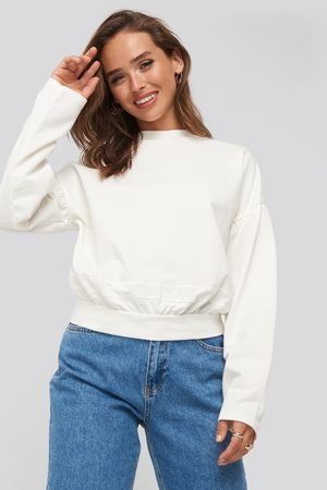 NA-KD Contour Seam Deatil Sweater - Sweatshirts - Vit - Small