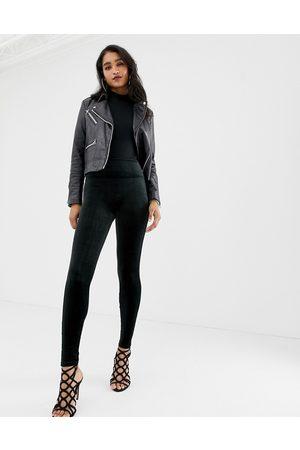 Spanx – formgivande leggings i sammer med hög midja velvet high waisted sculpting leggings