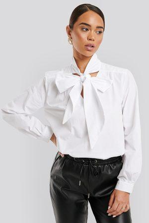 NA-KD Pussy Bow V-neckline Shirt