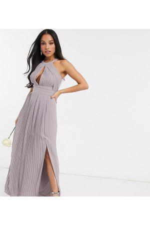 TFNC – Brudtärna – Exklusiv maxiklänning med plissering
