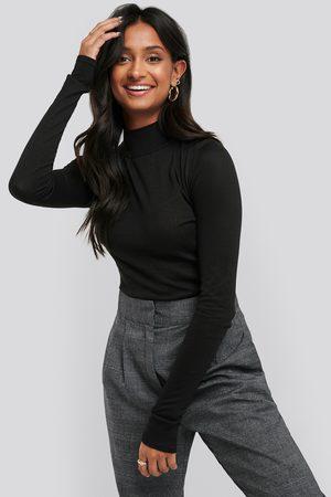 NA-KD Kvinna Stickade tröjor - High Neck Light Knit Sweater - Stickade tröjor - Svart - Large