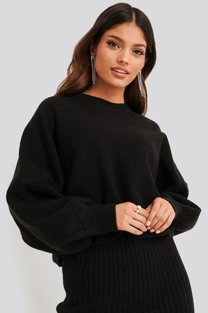 NA-KD Round Neck Cropped Knitted Sweater - Stickade tröjor - Svart - XX-Small