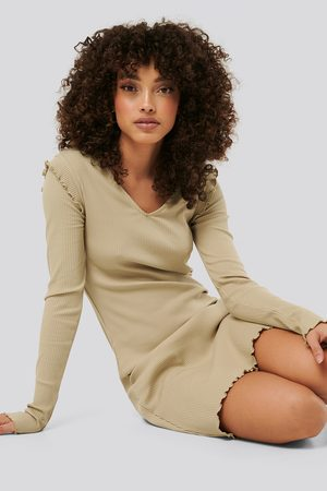 NA-KD Ribbed V Neck Shoulder Detail Dress - Vardagsklänningar - Beige - XX-Small