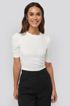 NA-KD Kvinna T-shirts - Puff Sleeve Cropped Ribbed Top - Toppar med puffärm - Vit - XX-Small