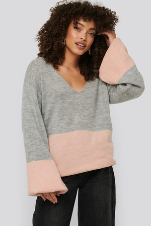 NA-KD Two Coloured Puff Sleeve Sweater - Stickade tröjor - Multicolor - Large