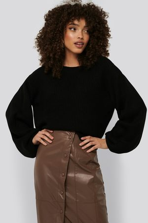 NA-KD Knitted Short Puff Sleeve Sweater - Stickade tröjor - Svart - XX-Small