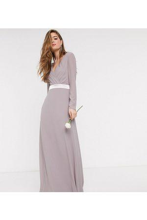 TFNC – Brudtärna – långärmad maxiklänning med rosett bak