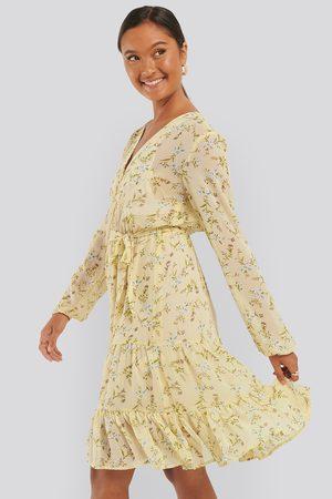 NA-KD Kvinna Mönstrade klänningar - Self-Tie Printed Midi Dress