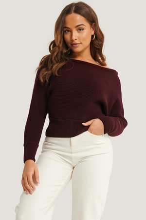 NA-KD Off Shoulder Knitted Sweater