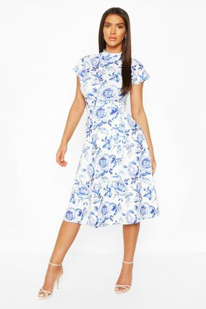 Boohoo Kvinna Casual klänningar - Floral High Neck Belted Midi Skater Dress, Blue