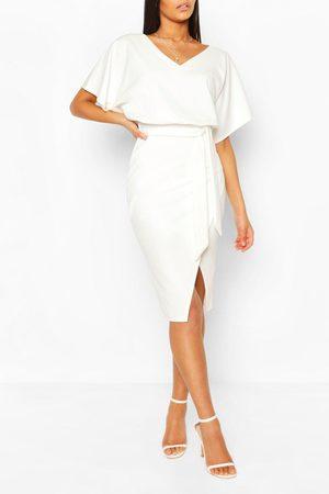 Boohoo Midiklänning I Kimonomodell Med Knytskärp, White