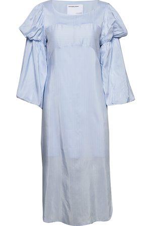 Designers Remix Kvinna Midiklänningar - Straight Midi-Length Dress With Voluminous Sleeves Knälång Klänning