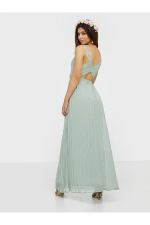 NLY Eve Fancy Back Lace Gown Maxiklänningar