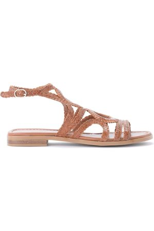 Pon´s quintana Low sandal in woven leather
