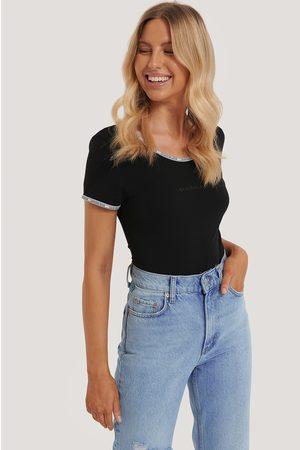 Calvin Klein Bodysuit Med Kort Ärm