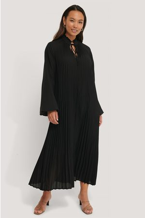 NA-KD Kvinna Midiklänningar - Midi Pleated Balloon Sleeve Dress