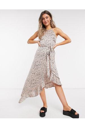 New Look Midiklänning med volangfåll och prickigt mönster